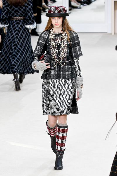 Chanel Fall/Winter 2016 at PFW