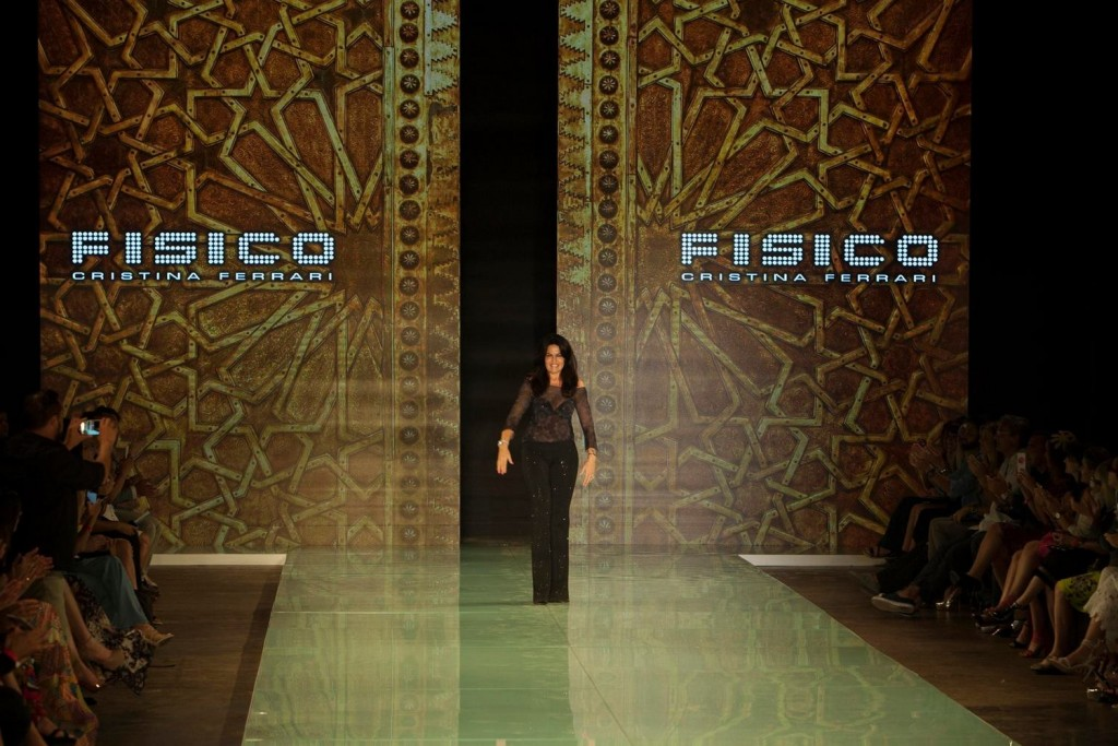Fisico by Cristina Ferrari.