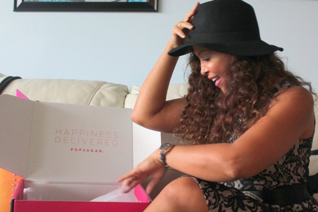 Latino news. Una Caja de Sorpresas: 'Must-Have' Box de POPSUGAR