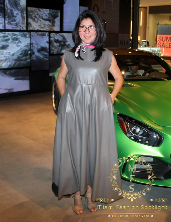 Lisu Vega presenta proyecto de arte 'One Love' en tienda Mercedes-Benz en Aventura Mall