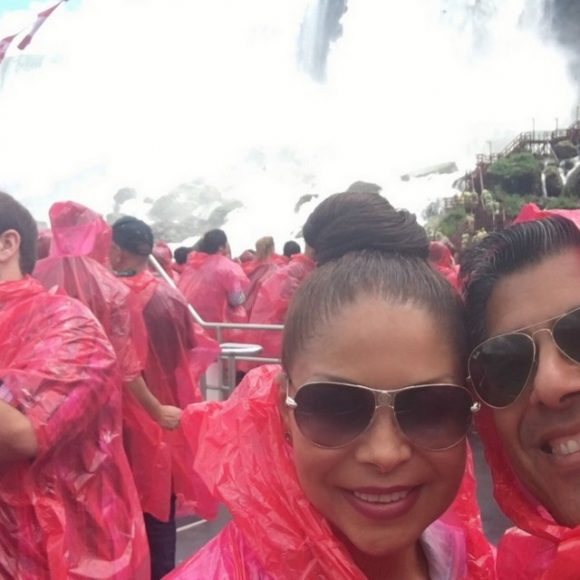 Couples Travel: Niagara Falls in Canada as Summer Destination