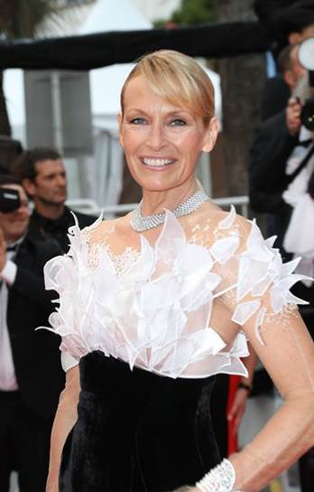 Cannes 2019 | French model Estelle Lefébure wearing Yanina Couture for opening ceremony