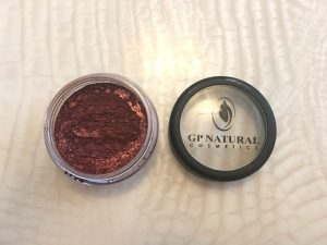 GP NATURAL COSMETICS. MINERAL EYE SHIMMER: BURGUNDY BOOM