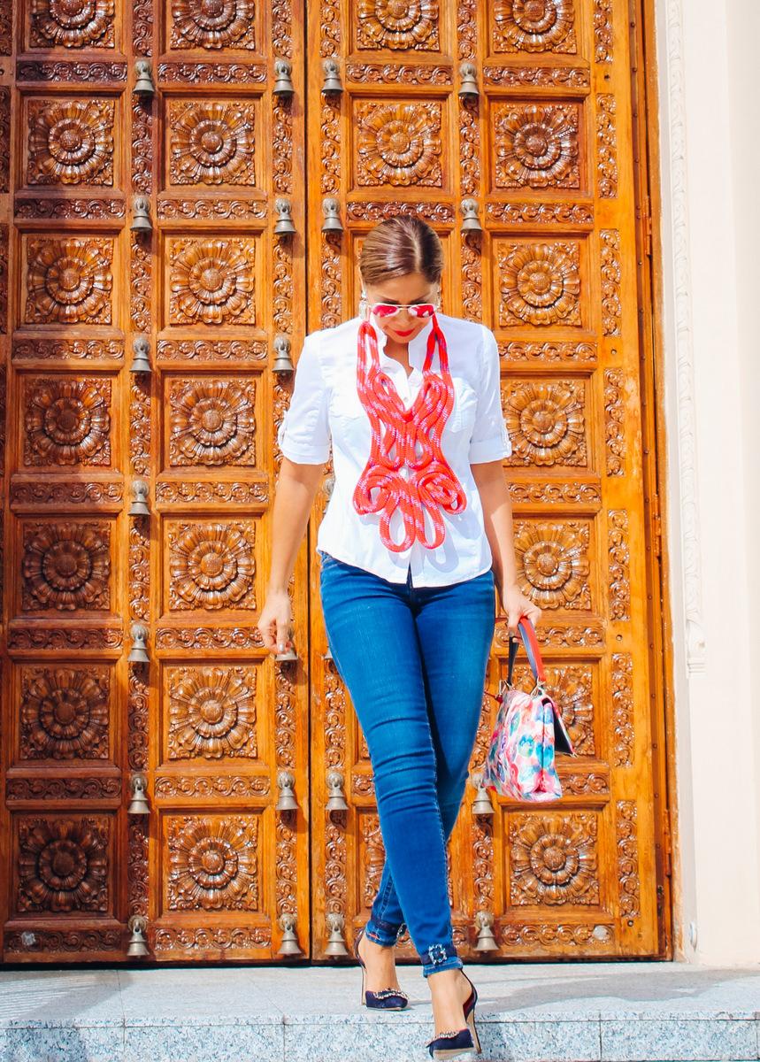 Lissette Rondon usando las piezas de Lisu Vega