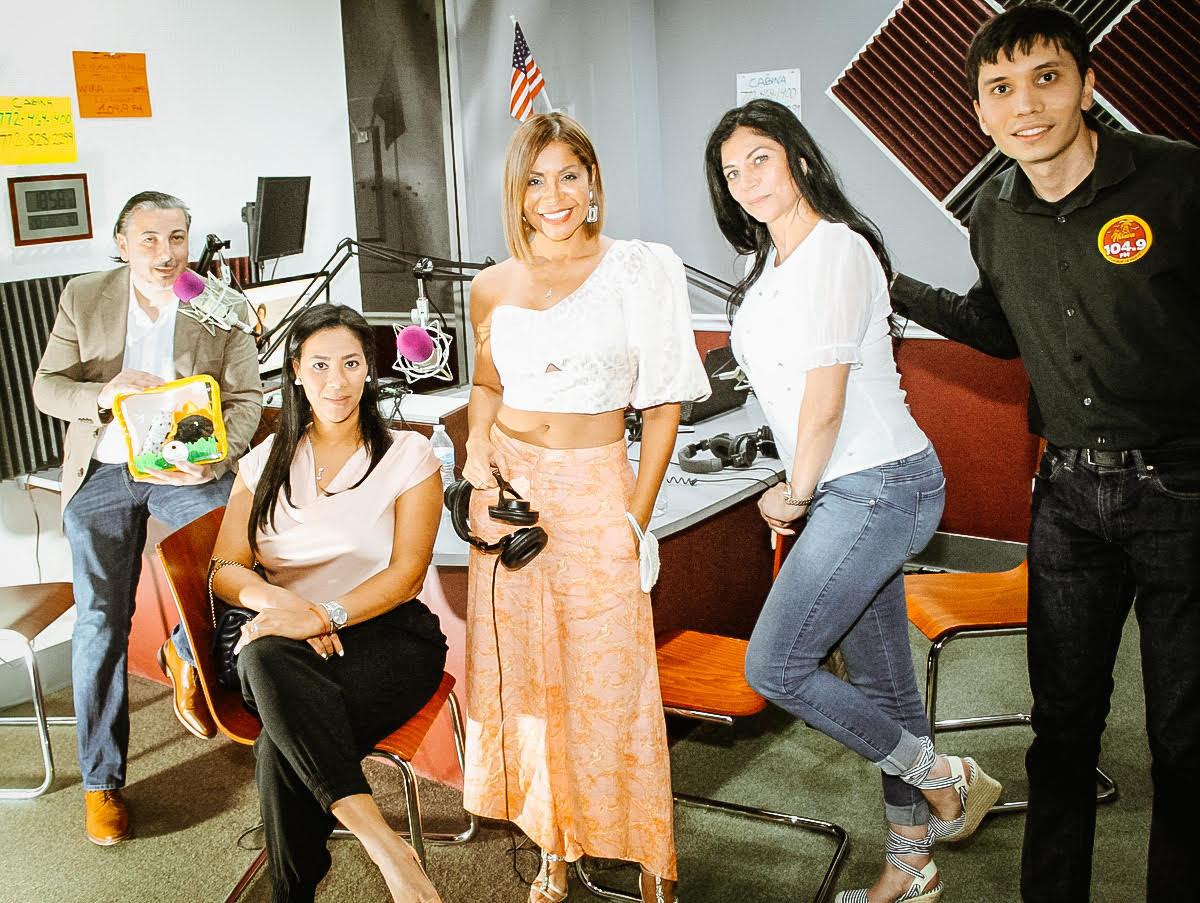 'Mujeres Empresarias Exitosas' de Miami Fashion Spotlight TV en La Nueva 104.9 FM en Port St. Lucie