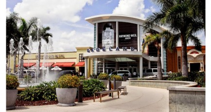 Love is in the air at Dadeland Mall this February